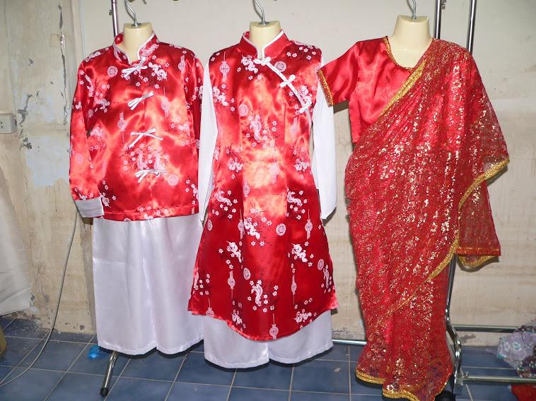 ชุดอาเซี่ยนประจำชาติสิงคโปร์นิยมสีแดงเป็นส่วนมาก มีไซน์SSSจนถึงไซน์XXL