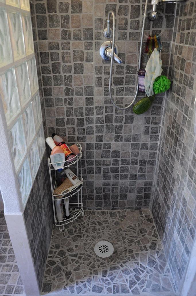 Ideecorando idee per un bagno - Idee per rivestire un bagno ...