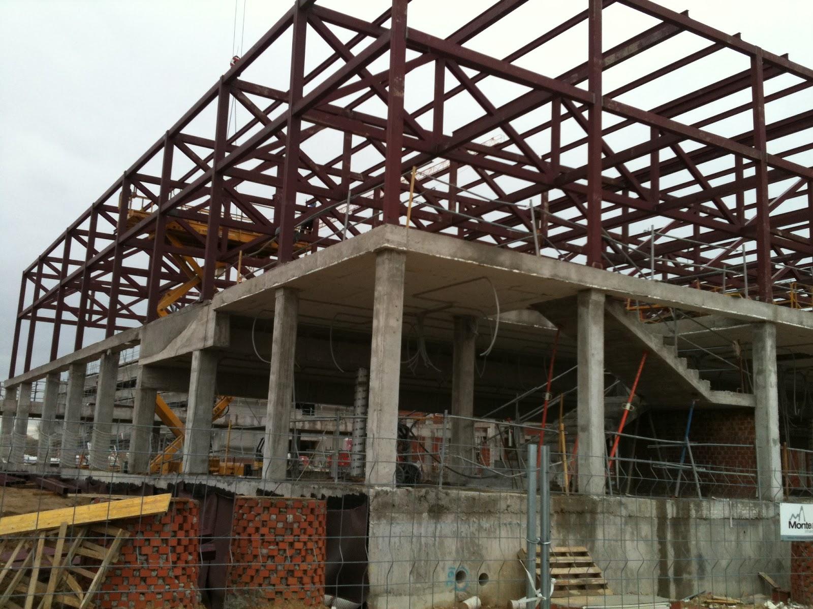 Metal y amianto construcci n de colegio con estructura y - Estructuras de acero para casas ...