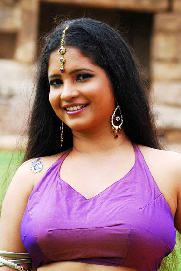 shubha poonja hot images