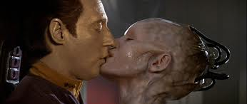 Data and Borg Queen Star Trek First Contact 1996 movieloversreviews.blogspot.com