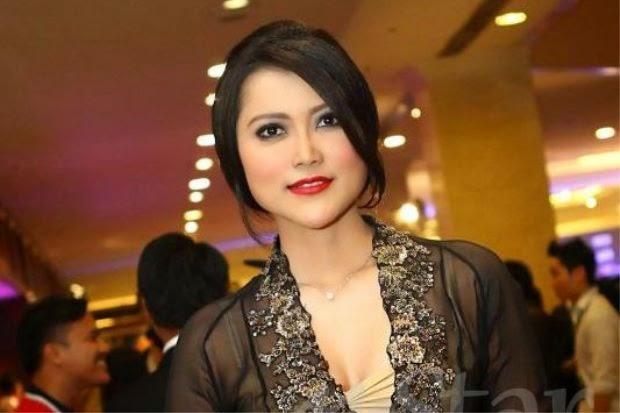 Penyanyi Salwa Razak Hidup Mewah Kerana Ditaja, info, terkini, hiburan, sensasi, gosip, kontroversi, salwa razak