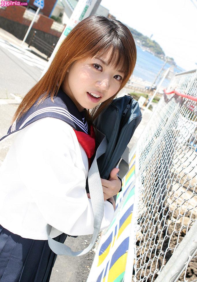 Foto Hot Rie Teduka dengan seragan sekolah