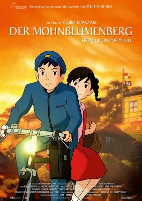 Plakat: Shun fährt auf dem Rad, Umi mit zur Seite auf dem Gepäckträger