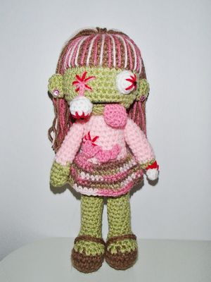 Crochet Zombie Patterns : Chiwaluv Amigurumi Critters: Crochet Patterns