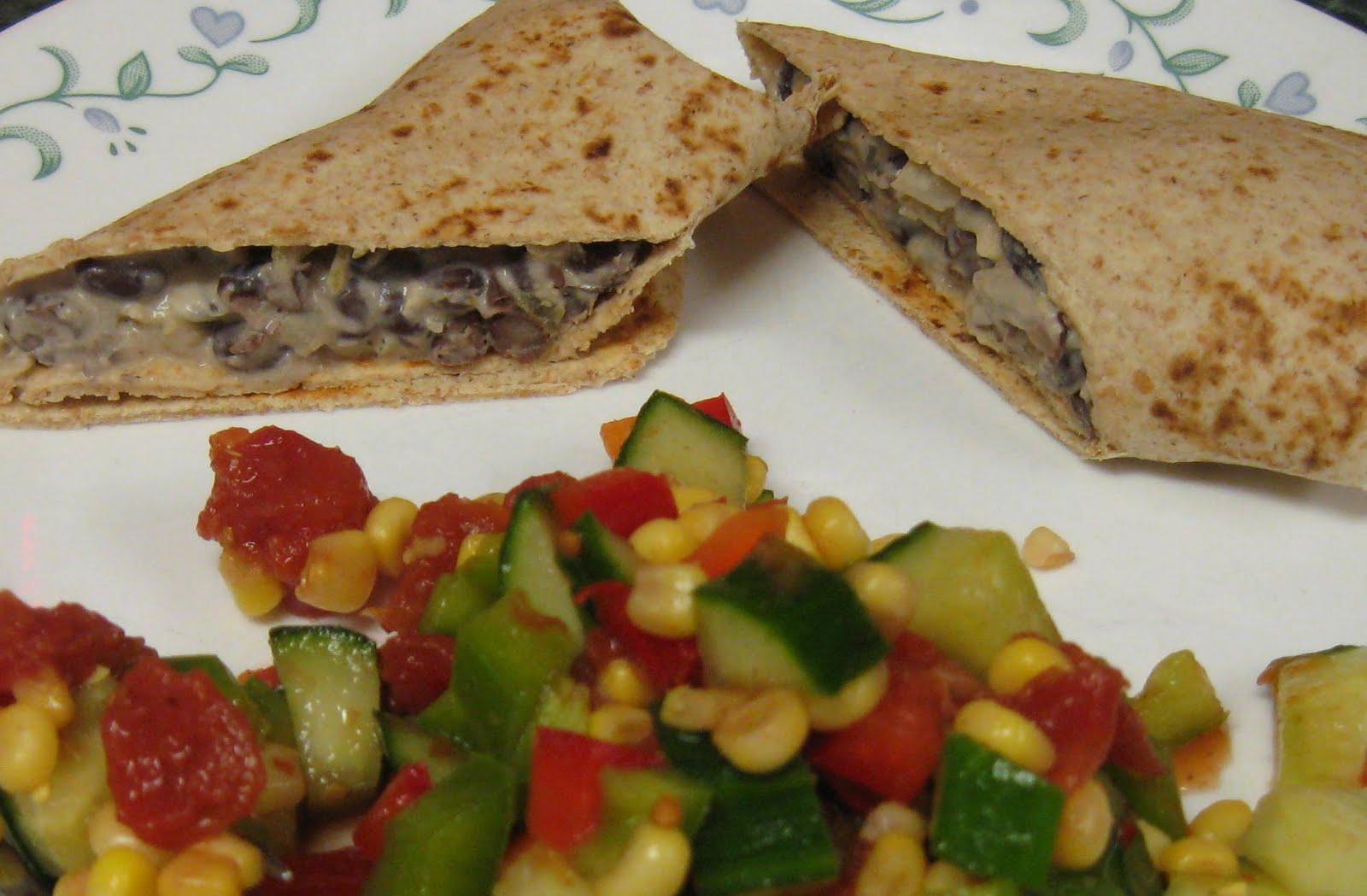 ... Dinner... Healthy & Low Calorie: Black Bean & Cream Cheese Burritos