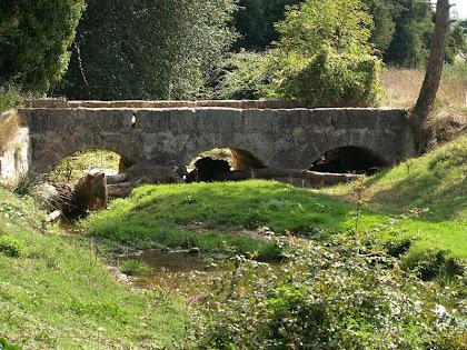 El Pont de la Gravera sobre la Riera de Clarà