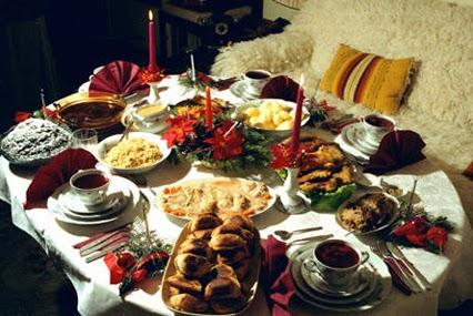 mucha comida comidas navideas recetas navideas comiendo en navidad torrejas navideas
