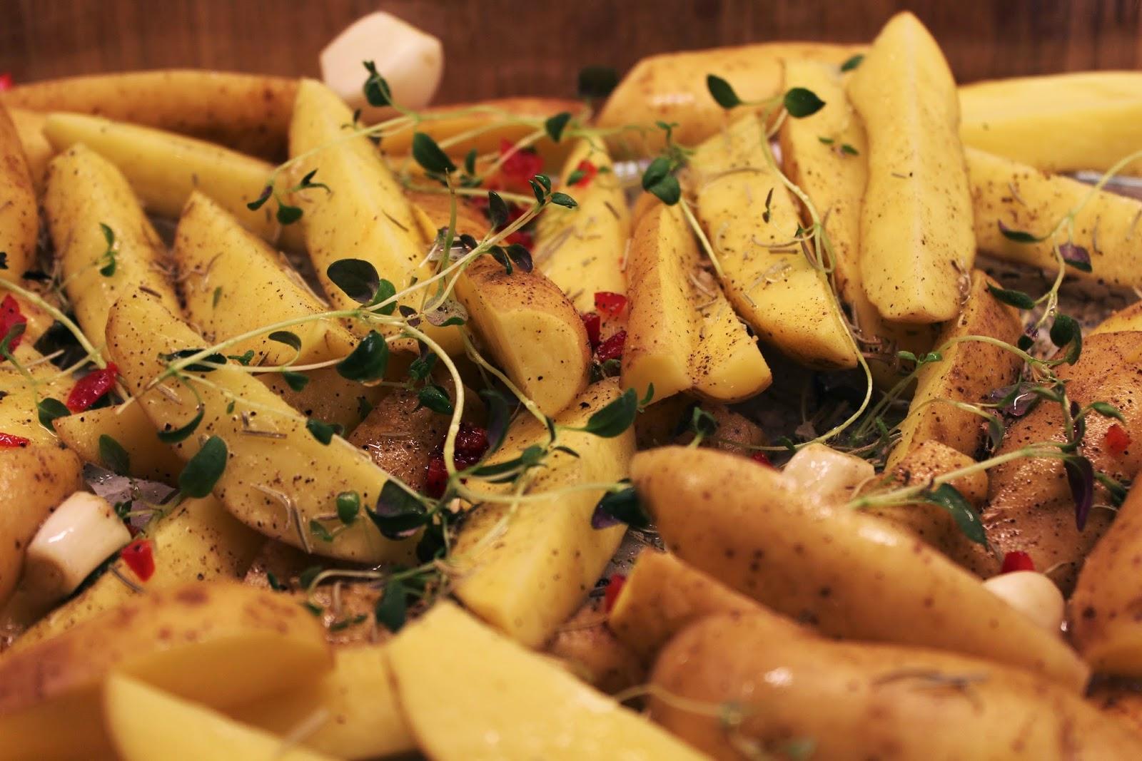 ovnsbakte poteter hele