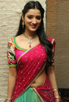 Saree navel show actress