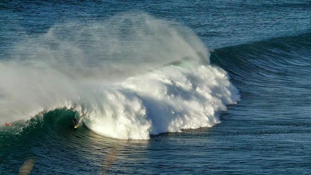 surfing menakoz 23
