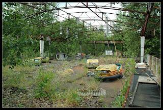 http://1.bp.blogspot.com/-EdNCCHfXHI8/TpgxdZy9KfI/AAAAAAAAE2g/zxH63QK7WWc/s1600/145_Pripyat_amusement_park_cars_02.jpg