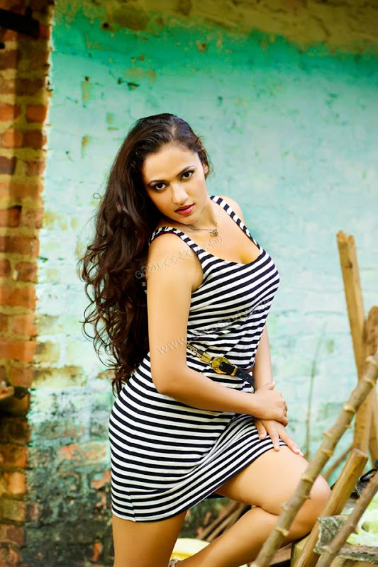 Yureni Noshika | Gossip - Lanka News Photo Gallery | Most
