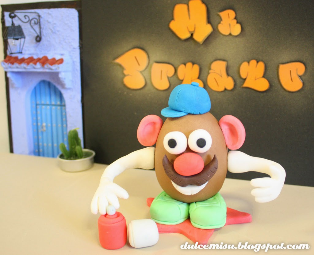 MR. Potato, fondant, dulcemisu, tutorial para hace un potato, juguete de fondant, modelar, colorante gel, CMC, decoración.