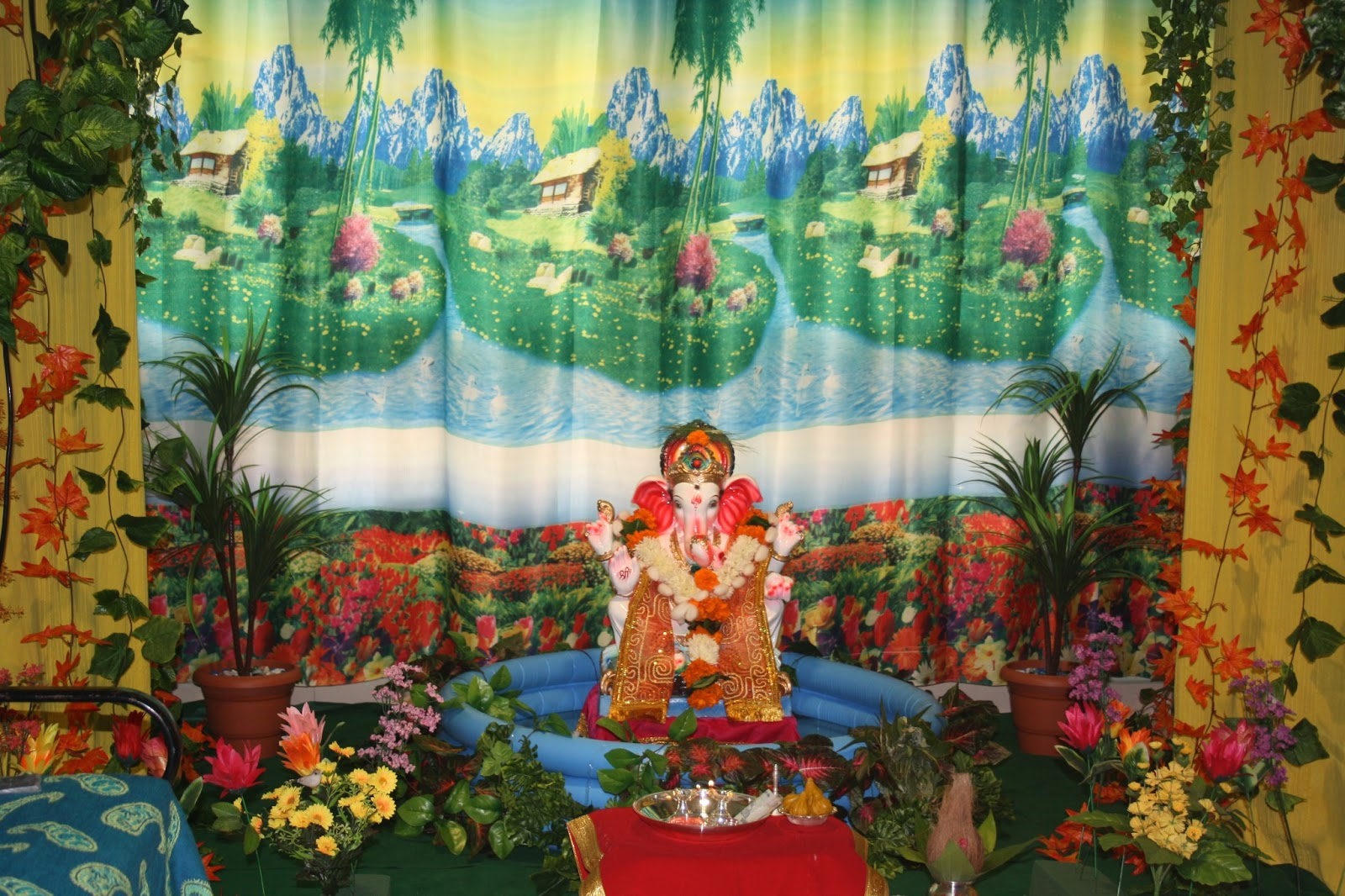 Festival dhamaal ganapati decoration at home for Background decoration for ganpati