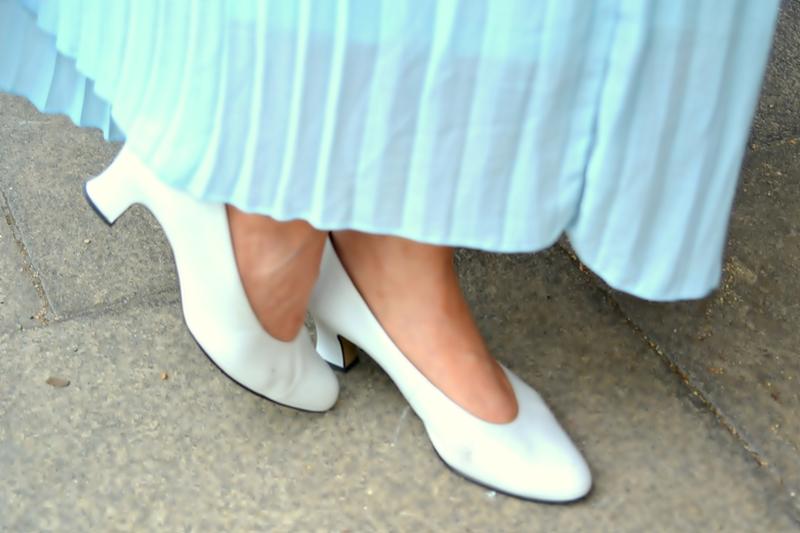shoes skirt dipdye