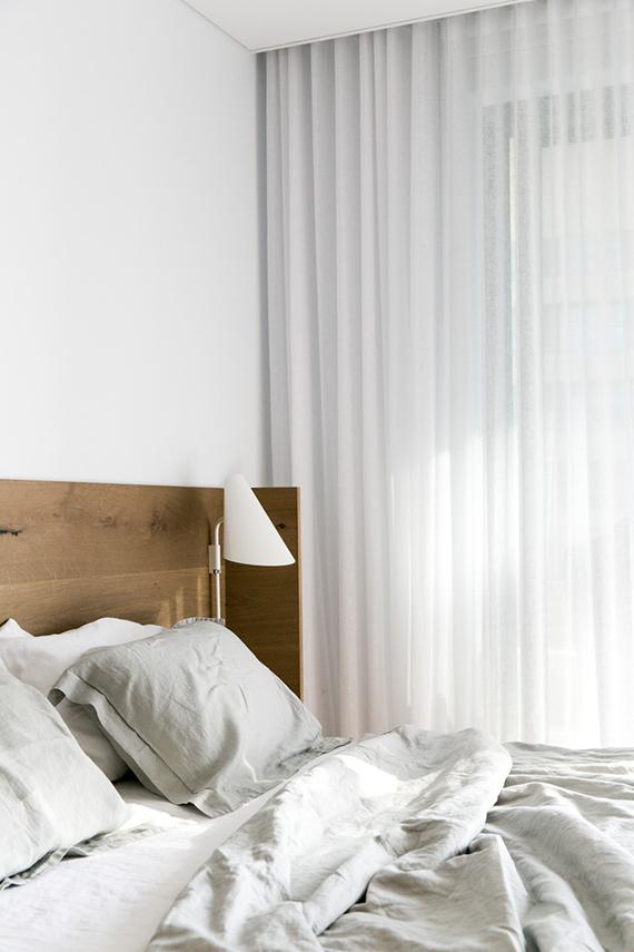 Cozy contemporary bedroom by C+M Studio