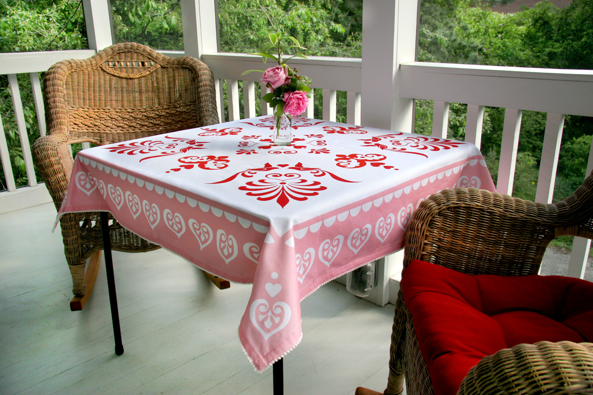 Charmant Card Table Tablecloth
