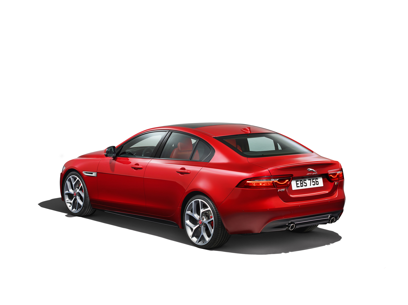new jaguar xe makes north american debut at 2015 detroit show carscoops. Black Bedroom Furniture Sets. Home Design Ideas