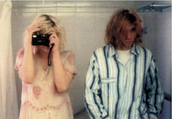 Kurt Cobain and Courtney Love bathroom selfie, taken in their hotel during Nirvana's 1992 Japanese tour