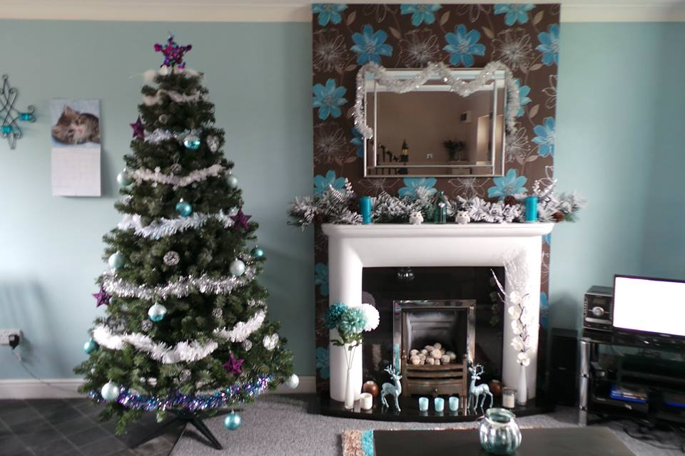 Blogmas, christmas decorations, first christmas in first home