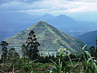 Gunung sadahurip-10 tempat misterius di dunia