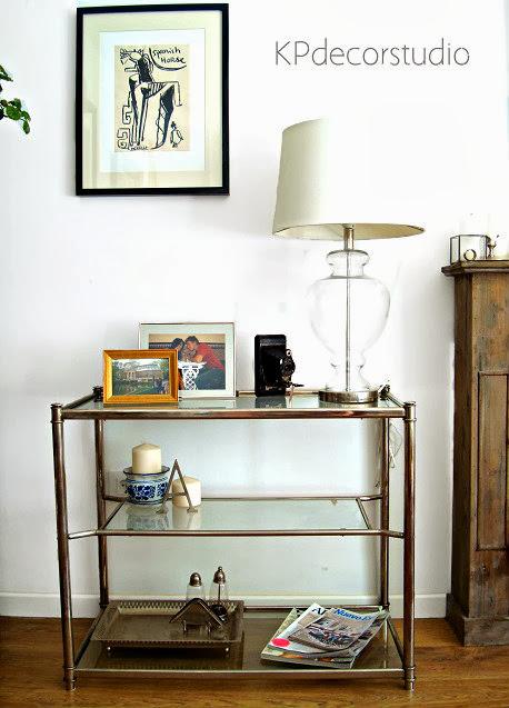 Muebles vintage en valencia. Venta de aparadores y mesas de los años 70 de metal cromado y baldas de cristal