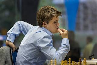 Échecs à Bilbao : le Norvégien Magnus Carlsen a vaincu hier le leader Fabiano Caruana - photo site officiel