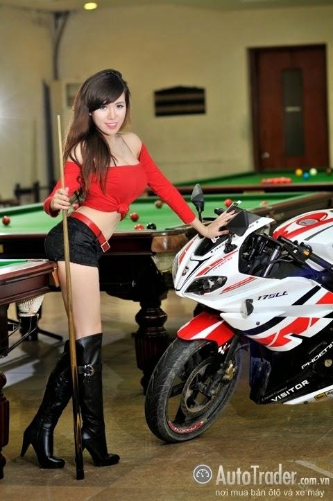 Mỹ nữ Việt so tài bi-a cùng Phoenix