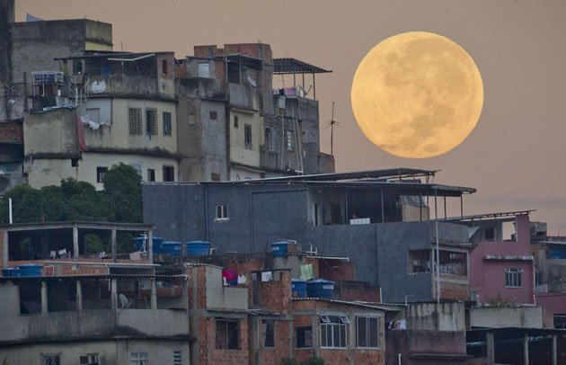 Superlua - Favela da Mará - Rio de Janeiro