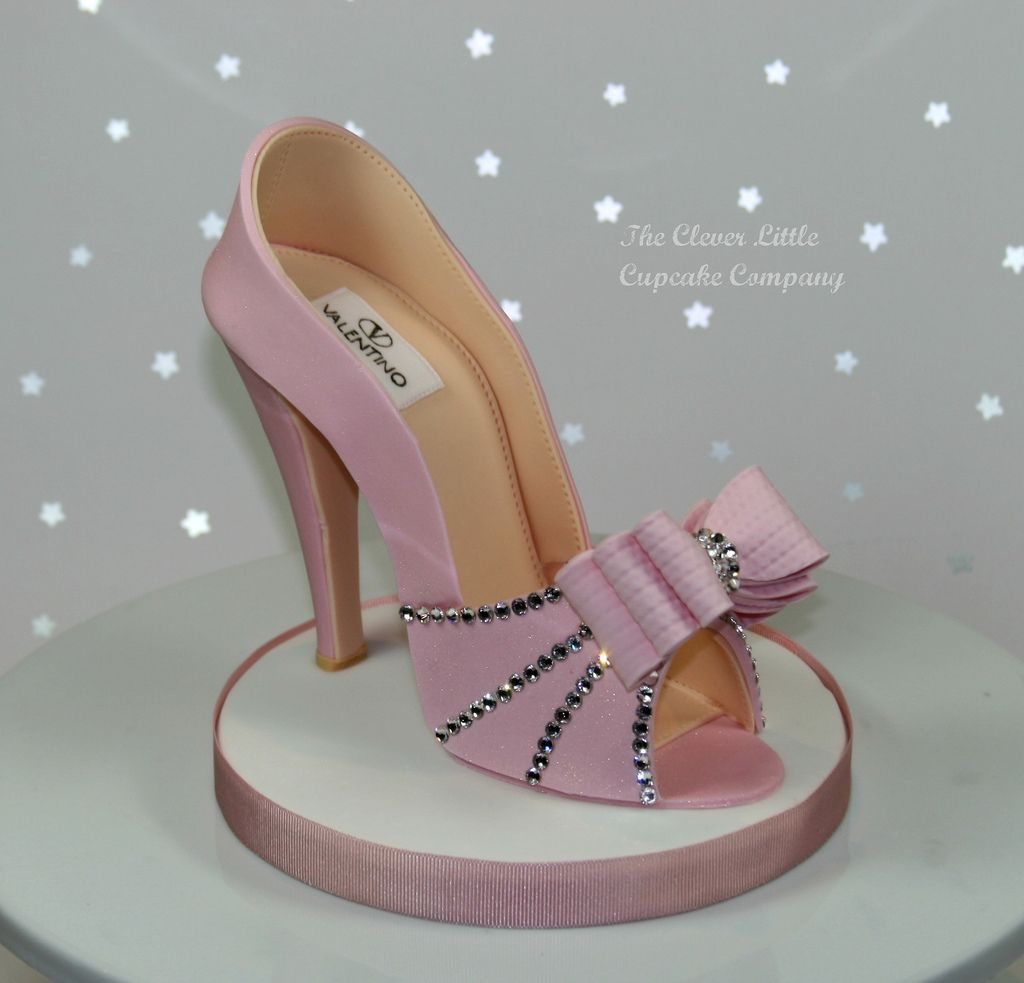 21. Pink Sugar Shoe Cake Topper by Amanda Mumbray