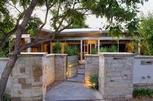 Jenis Batu Alam Untuk Rumah Minimalis. Terdapat banyak type batu alam untuk rumah minimalis yang di jual di market.