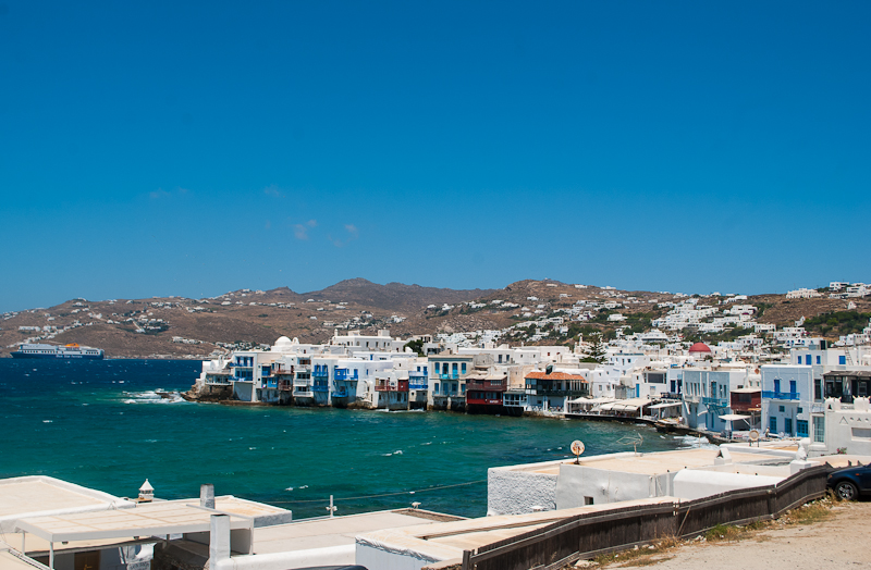 white walled buildings in mykonos town