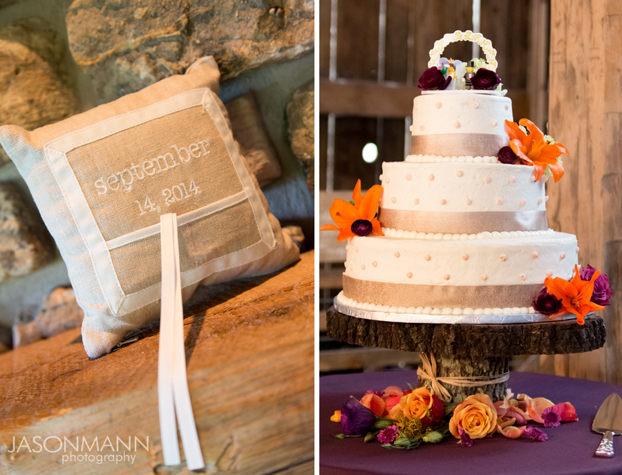 Light brown tones bring in Marsala in this cute, burlap ring pillow and tier cake. Photos by Jason Mann Photography.