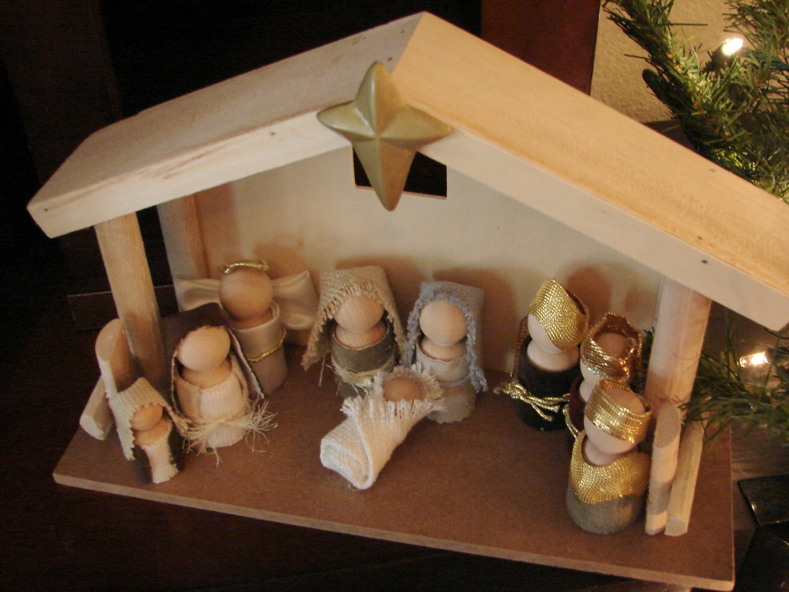 Download how to build wood nativity stable pdf free diy - Creche de noel a faire soi meme ...