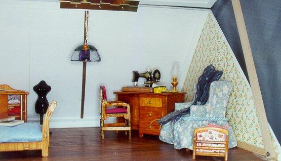 Il cielo in una stanza visita guidata alla casa in for Arredamento in miniatura