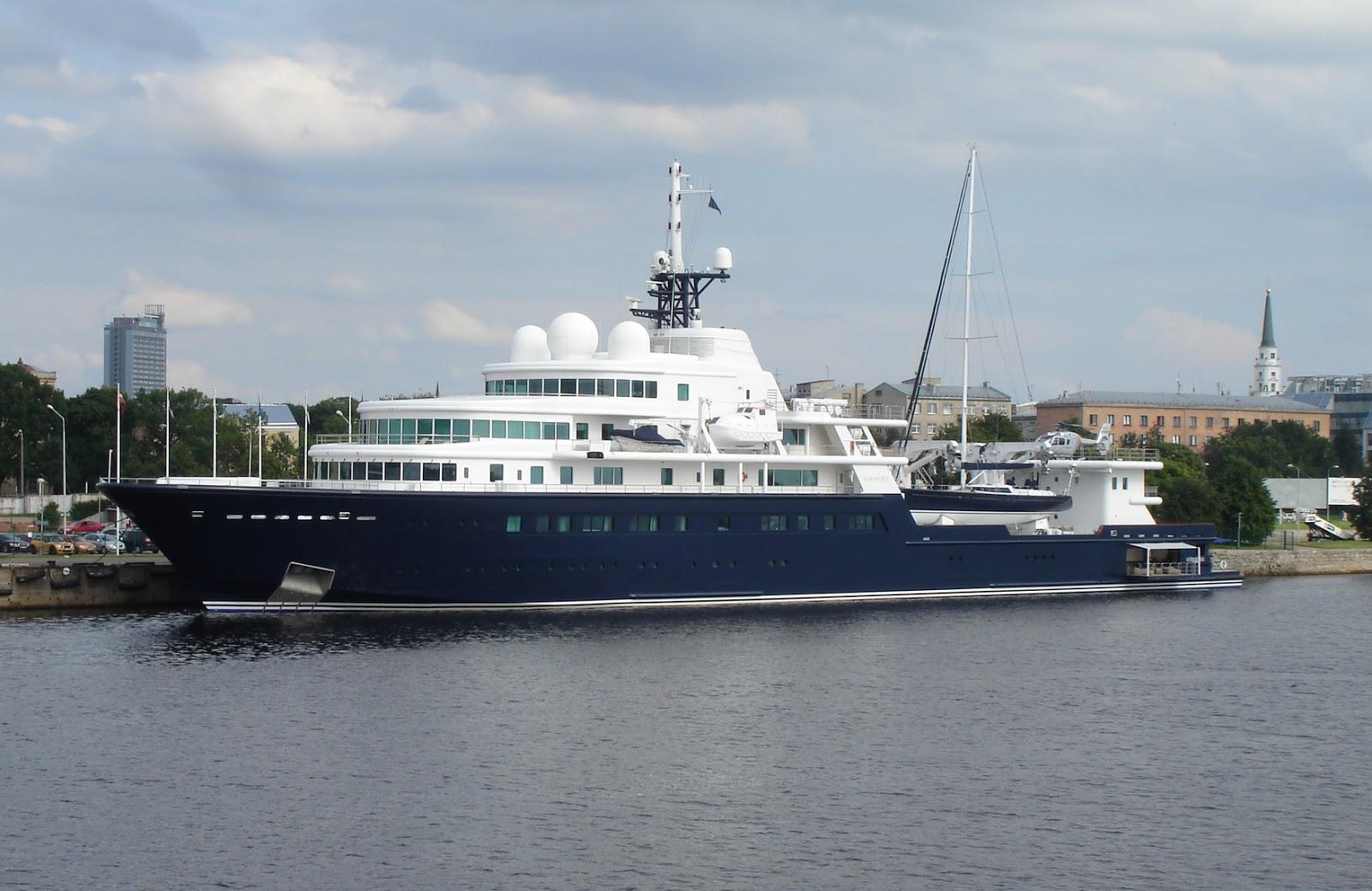 Le Grand Bleu Megayacht