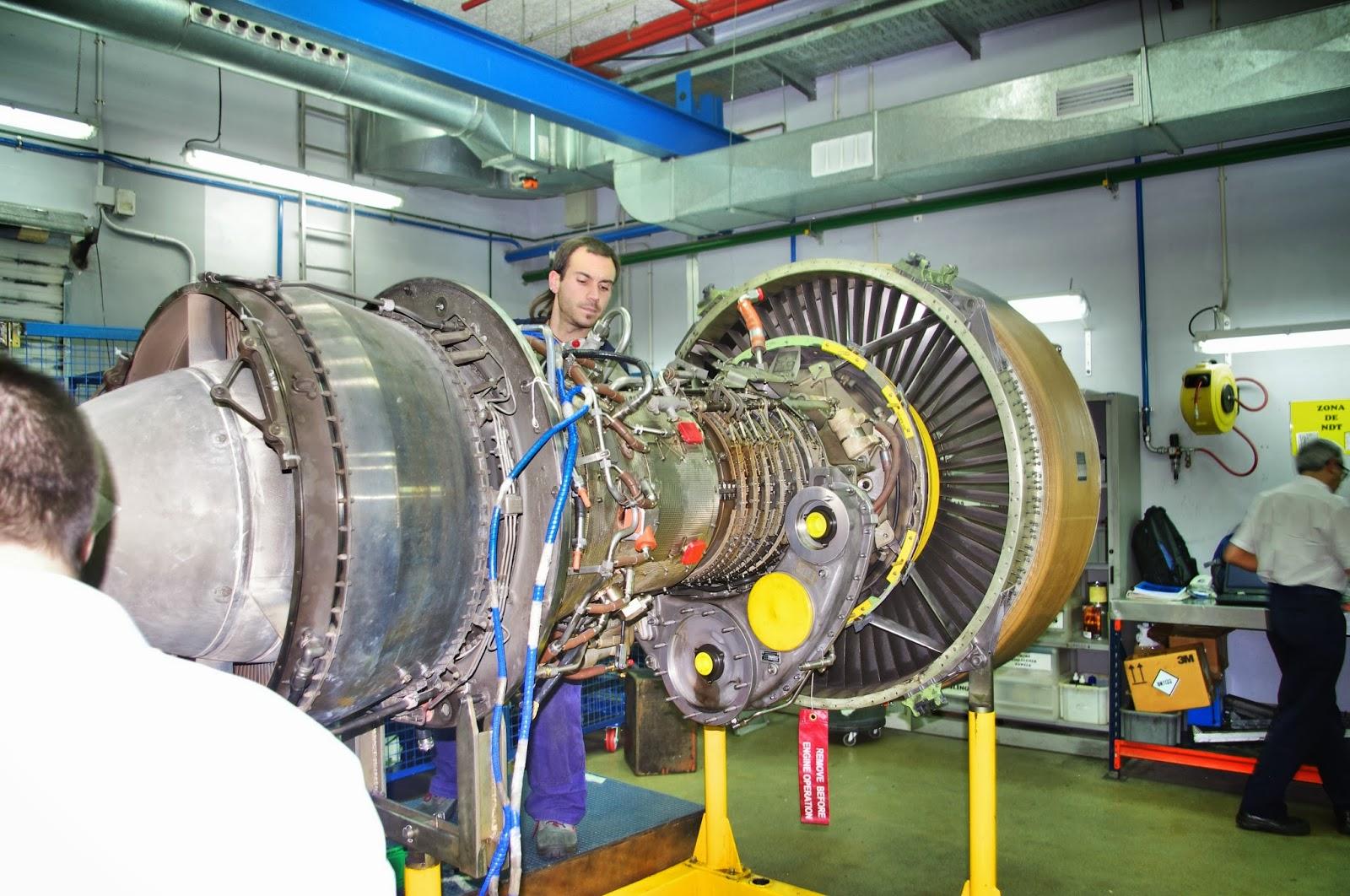 Visitamos el hangar de air nostrum en valencia aeroasturias - Recambios general electric ...