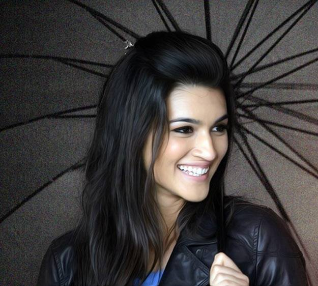 actress kriti sanon smiling photo