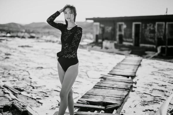 linda modelo Savvy Savanna Taylor fotografada por Thomas Albert Ingersoll beleza sensualidade charme