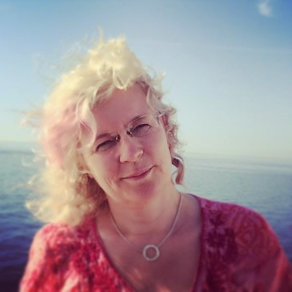 mogna äldre kvinnor bra massage stockholm