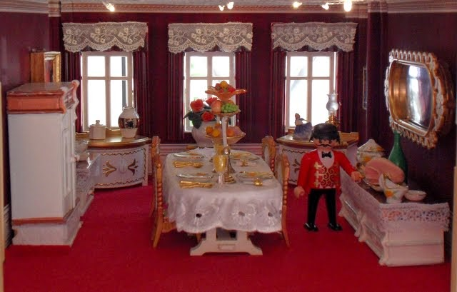 Houghton hall pt9 revamped dining room emma j 39 s playmobil for Playmobil dining room 5335