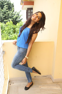 Actress Rashmi Gautam Pictures in Jeans at tur Talkies Movie Press Meet   (46).JPG
