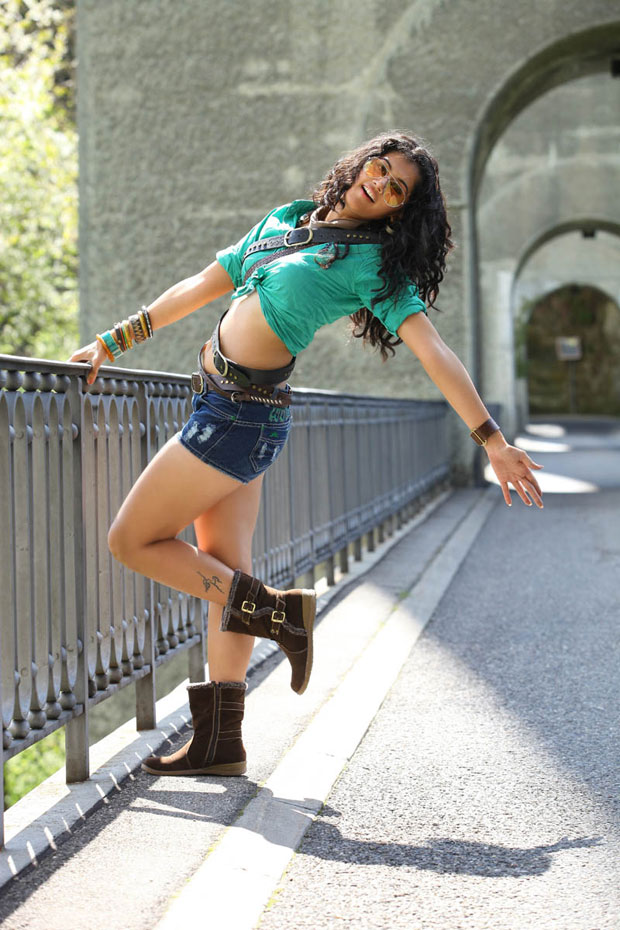 Tapsee in mini skirt,Tapsee in Shadow Movie