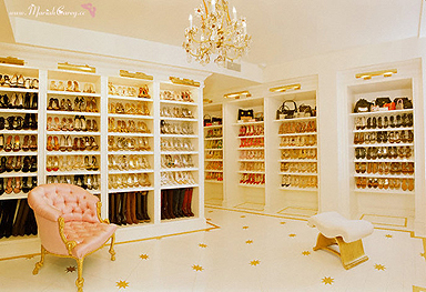 Her Closet Is A Great Example Of Really Well Thought Out Design It Gives New Meaning To The Phrase Shopping Your Lisa Vanderpump