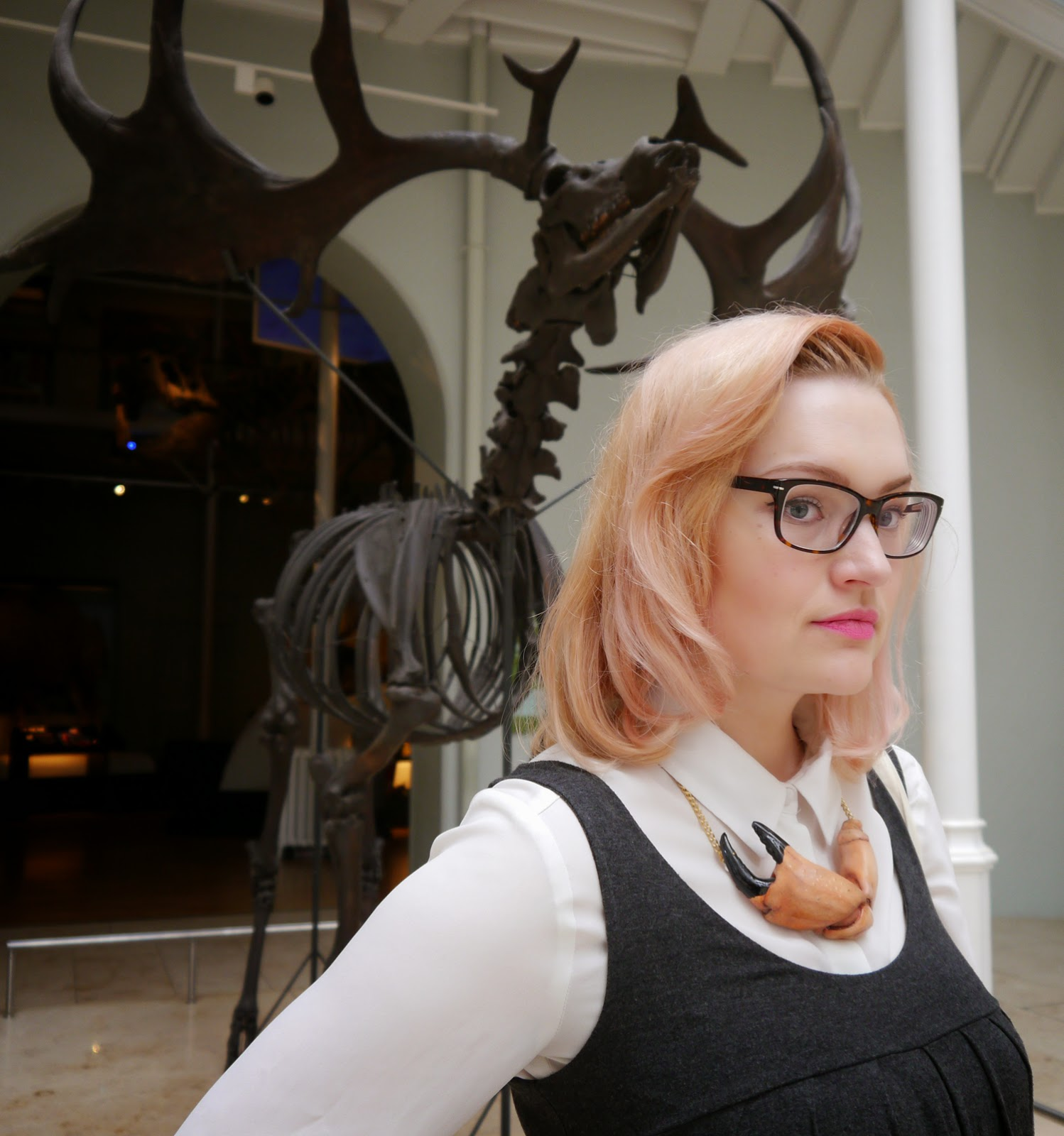 Kimberley wears, festival, stylist, scotland, model, museum, animals, edinburgh, scottish bloggers, fashion, pincer crab necklace, pink hair, pastel hair, retro glasses, how to, peach, pastel, 1950s hair, museum photoshoot