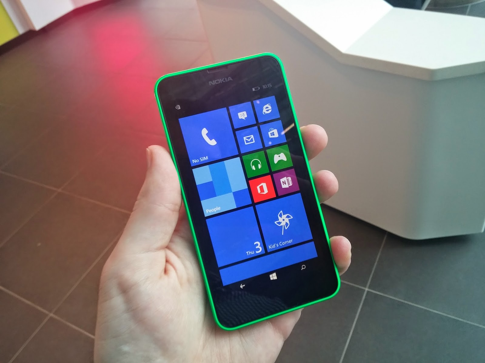 "<img src=""http://1.bp.blogspot.com/-Ej1R0BgIR1U/U0MJLpJy8HI/AAAAAAAACJs/evK91HnJiiY/s1600/Nokia_Lumia_635.jpg"" alt=""Nokia Lumia 630 and Lumia 635 review"" />"