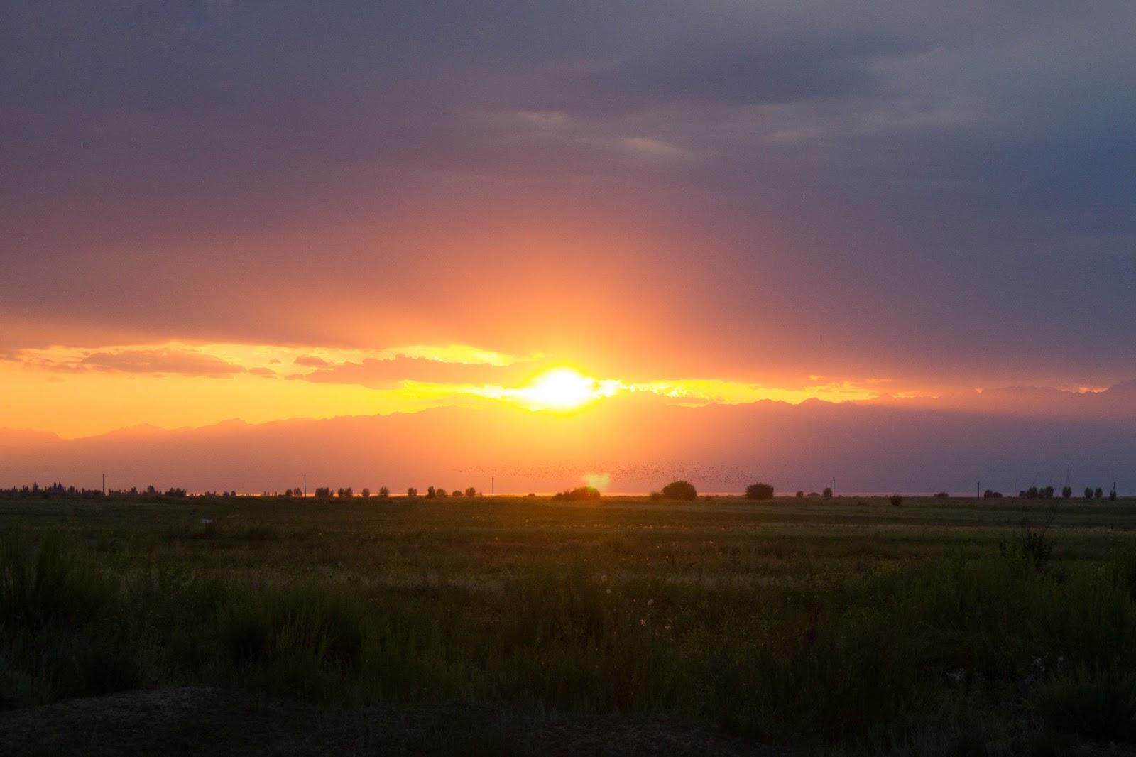 Кыргызстан, Джеты-Огуз, Иссык-Куль, закат