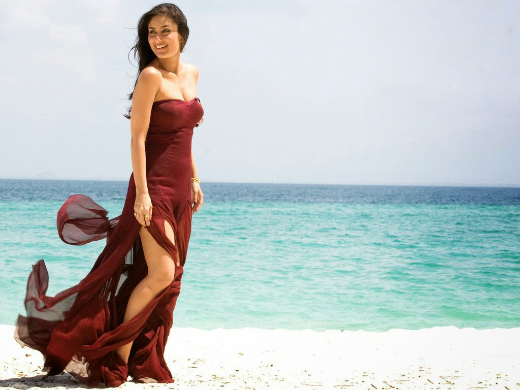 Kareena Kapoor Sexy Beach HD Wallpaper