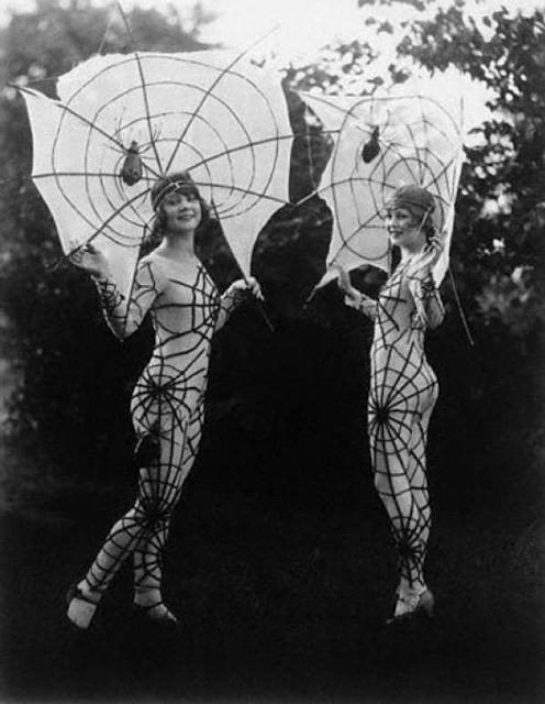 Amazing 1920s Halloween Costumes #1920s #halloween #vintage #costume